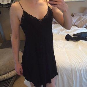 Aritzia Dresses - Wilfred Free Dress
